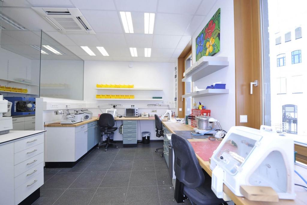 OUTIN | Guelie & Riehl | Innenarchitekt, Referenz Bilder: Dr. Thomas Riedmann, Fachzahnarzt für Kieferorthopädie, Reutlingen