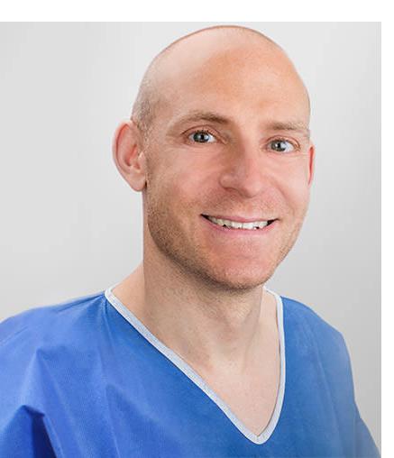 Dr. Dr.med.dent. Andreas Dorow Schönheitschirurg, Mund-Kiefer-Gesichtschirurg inWaldhut