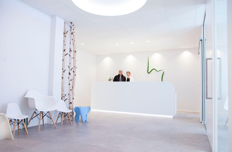 OUTIN | Guelie & Riehl | Innenarchitekt, Referenz Bilder: Praxis Dr. Laible, Zahnärztin, Fellbach